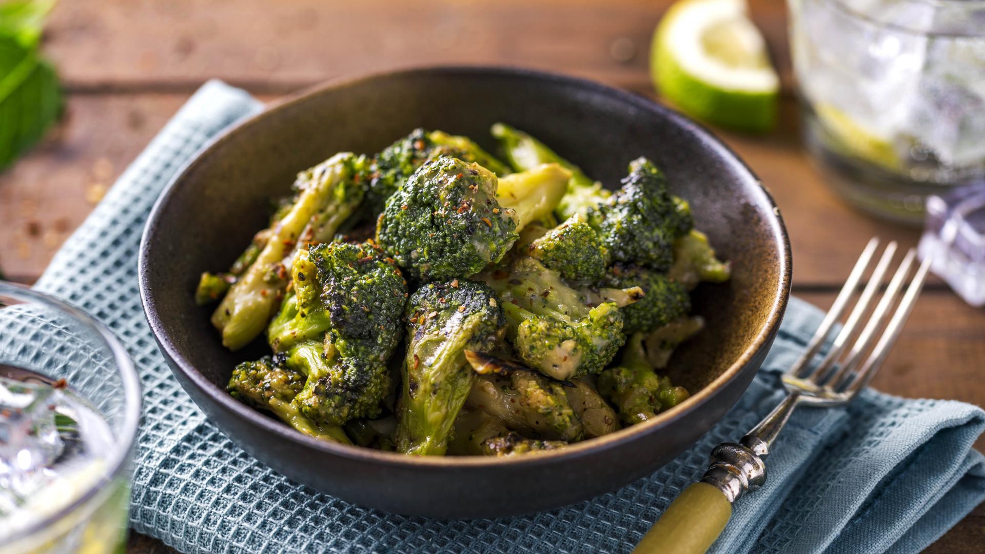 Broccoli la Gratar cu Parmezan 1