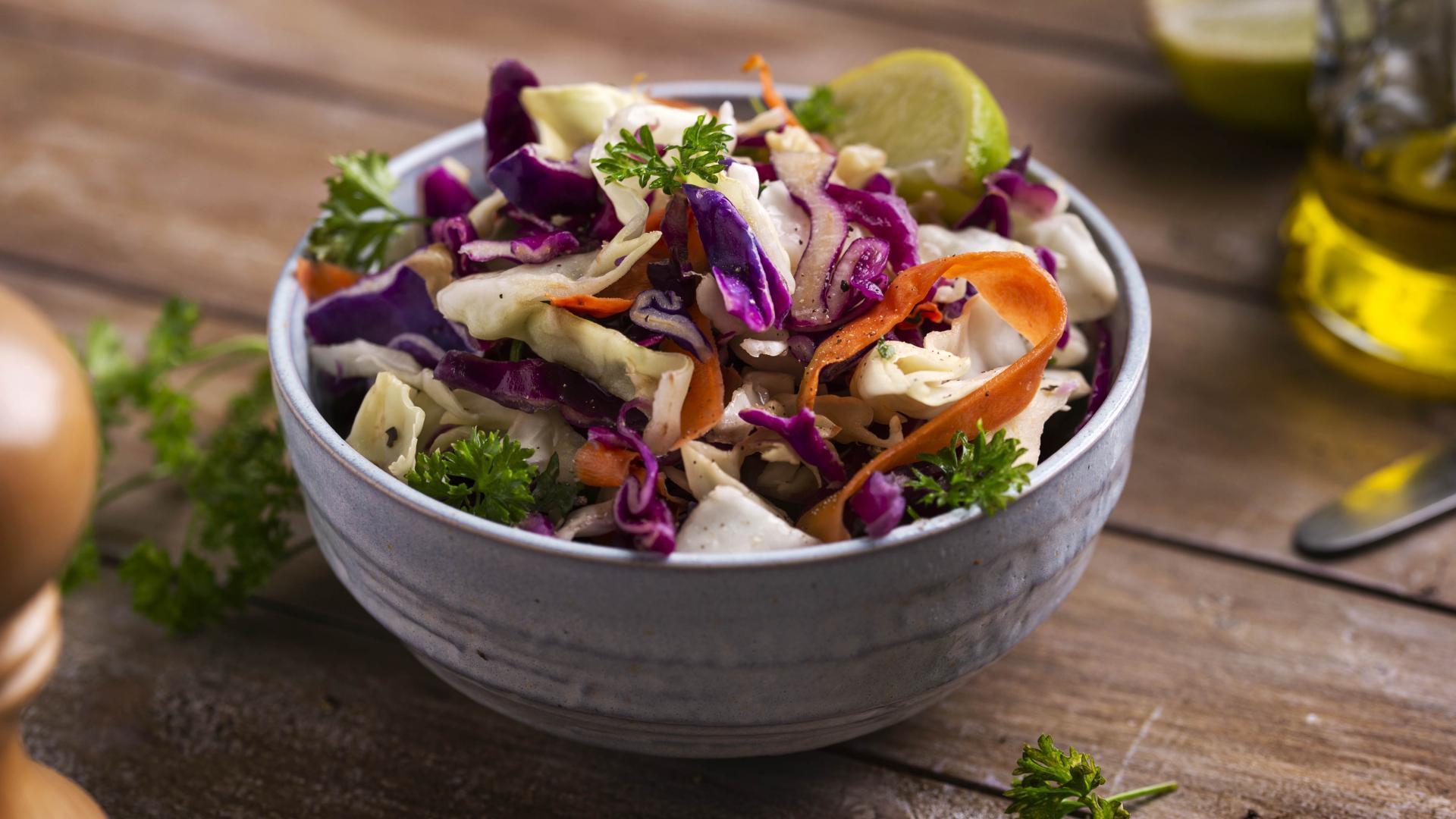 Salată Coleslaw cu Dressing de Lămâie și Miere 1