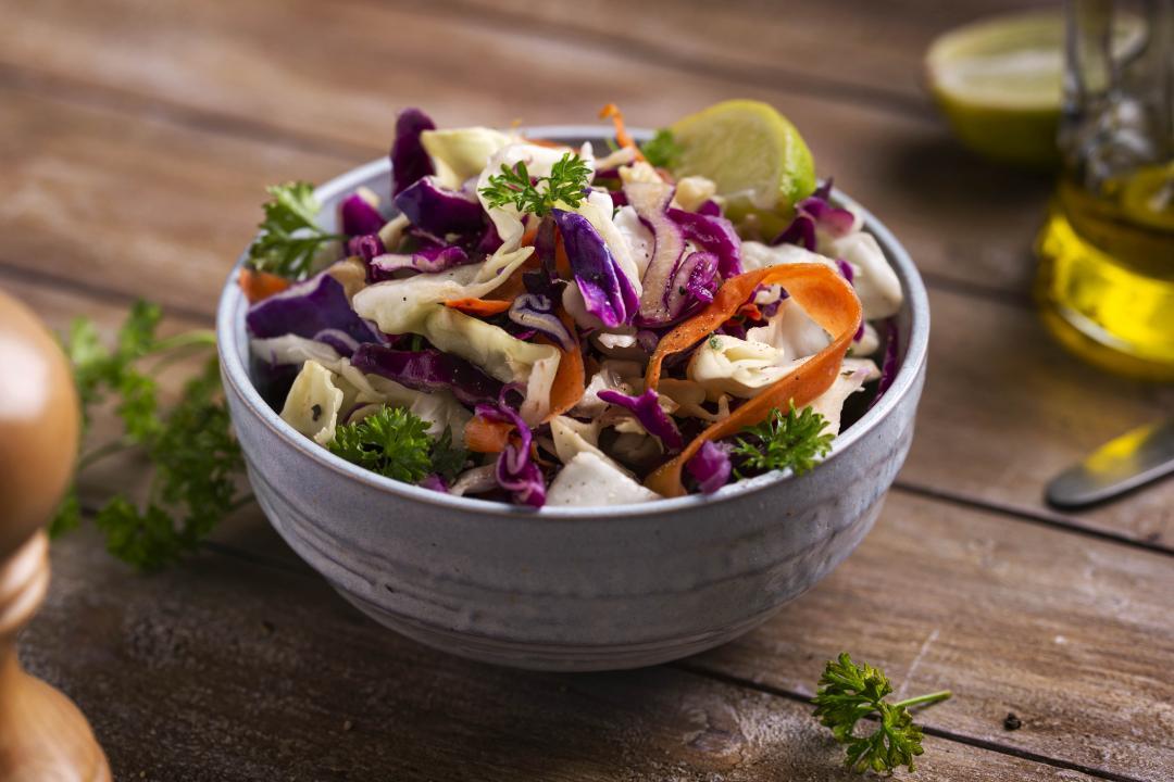 Salată Coleslaw cu Dressing de Lămâie și Miere