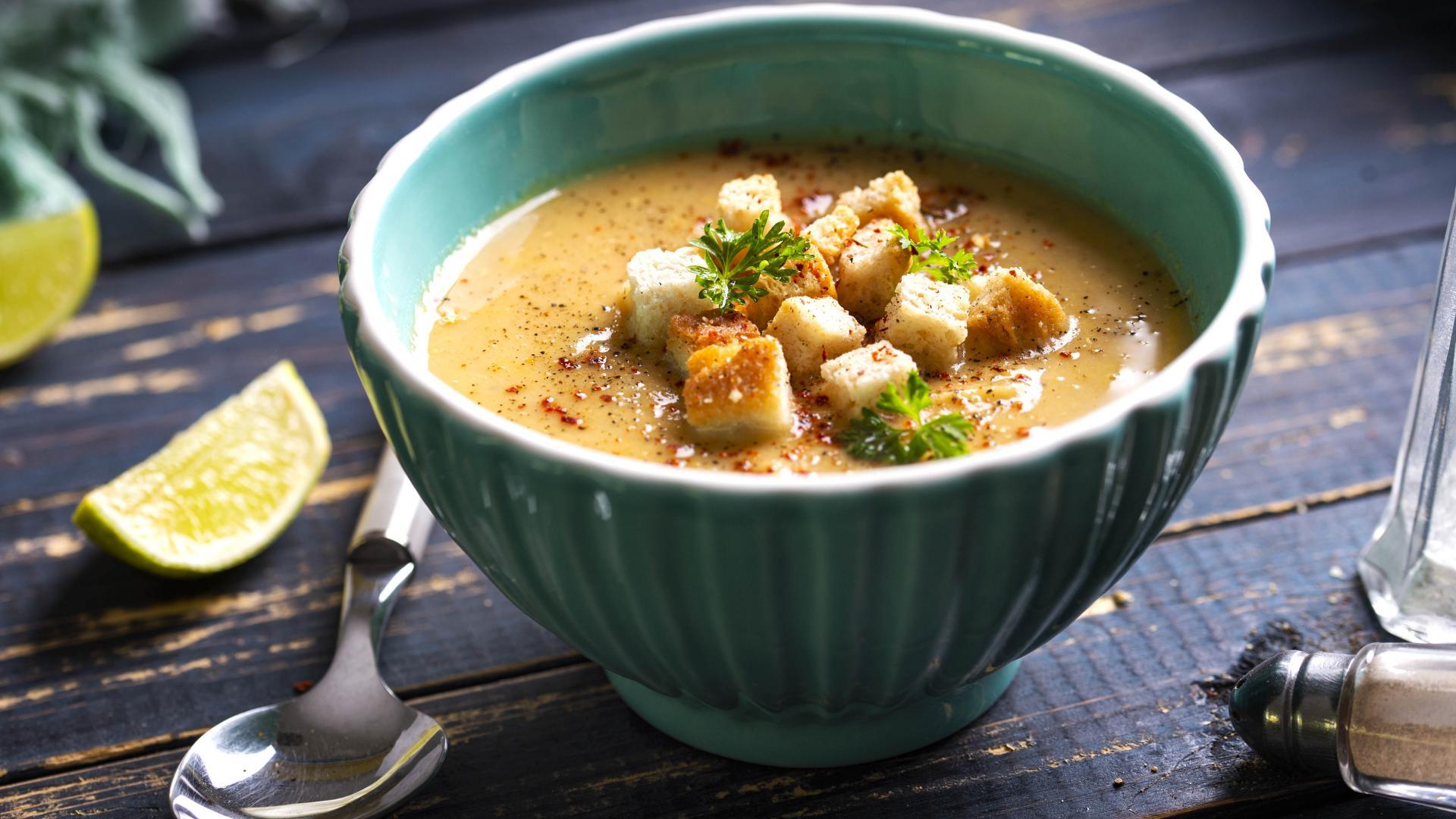Supă Cremă de Linte cu Morcovi și Ceapă 1