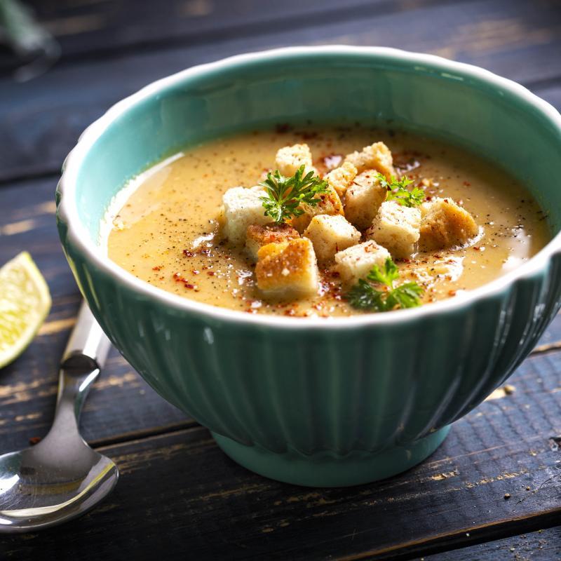 Supă Cremă de Linte cu Morcovi și Ceapă