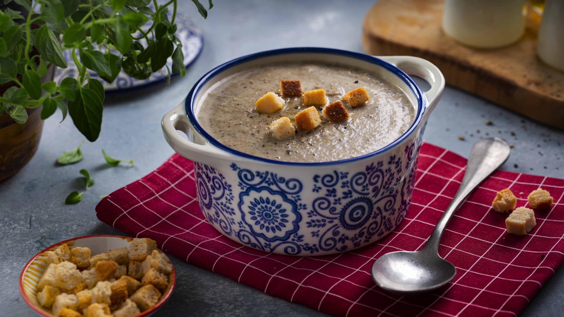 Supa Crema de Ciuperci aromatizata cu Trufe 1