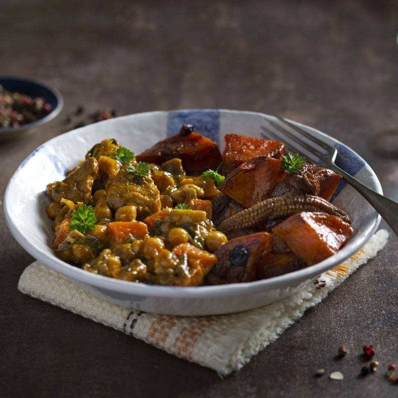 Curcan Marocan cu Cartofi Dulci si Baby Corn la Cuptor