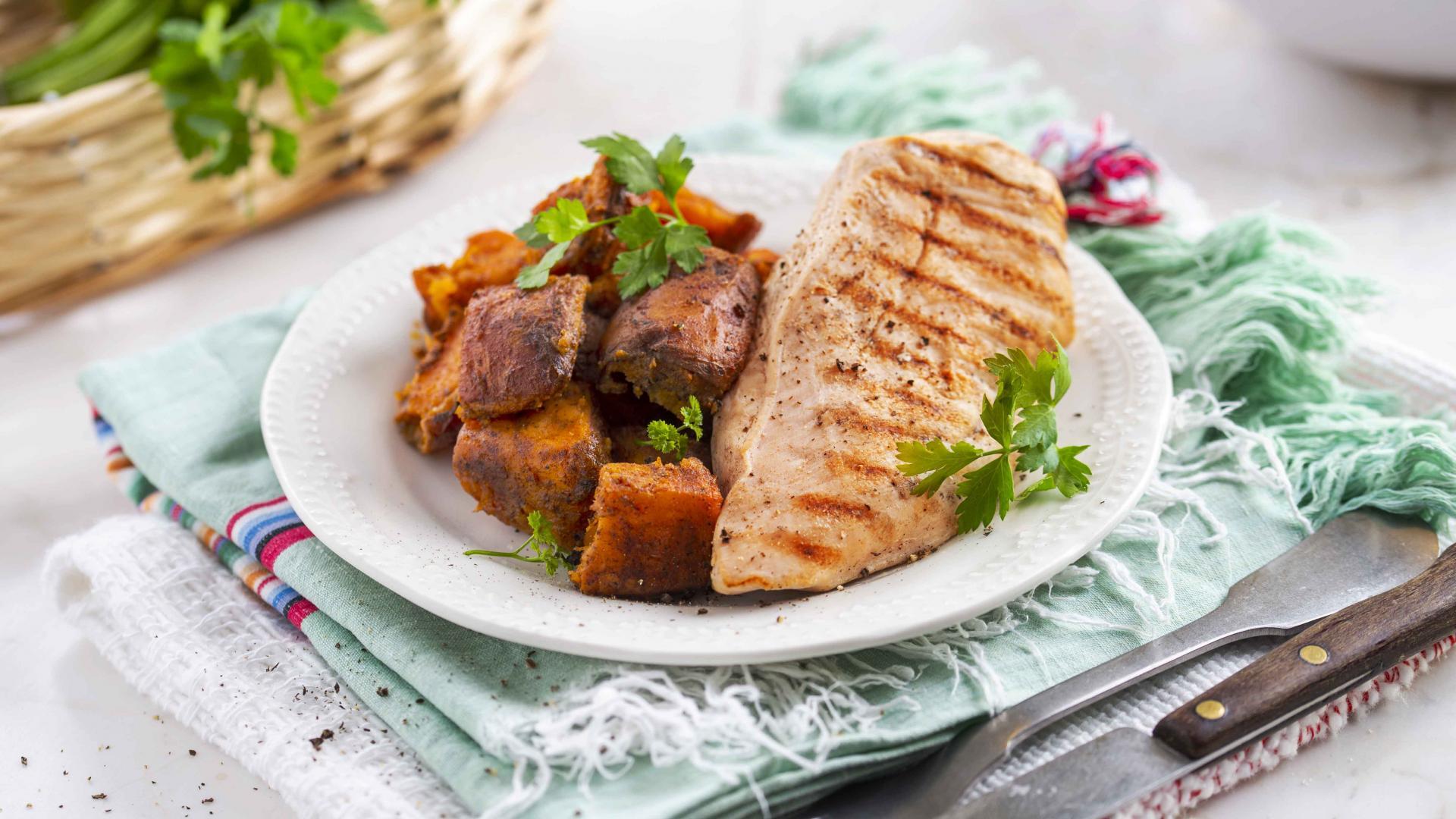 Curcan Grill cu Cartofi Dulci 1