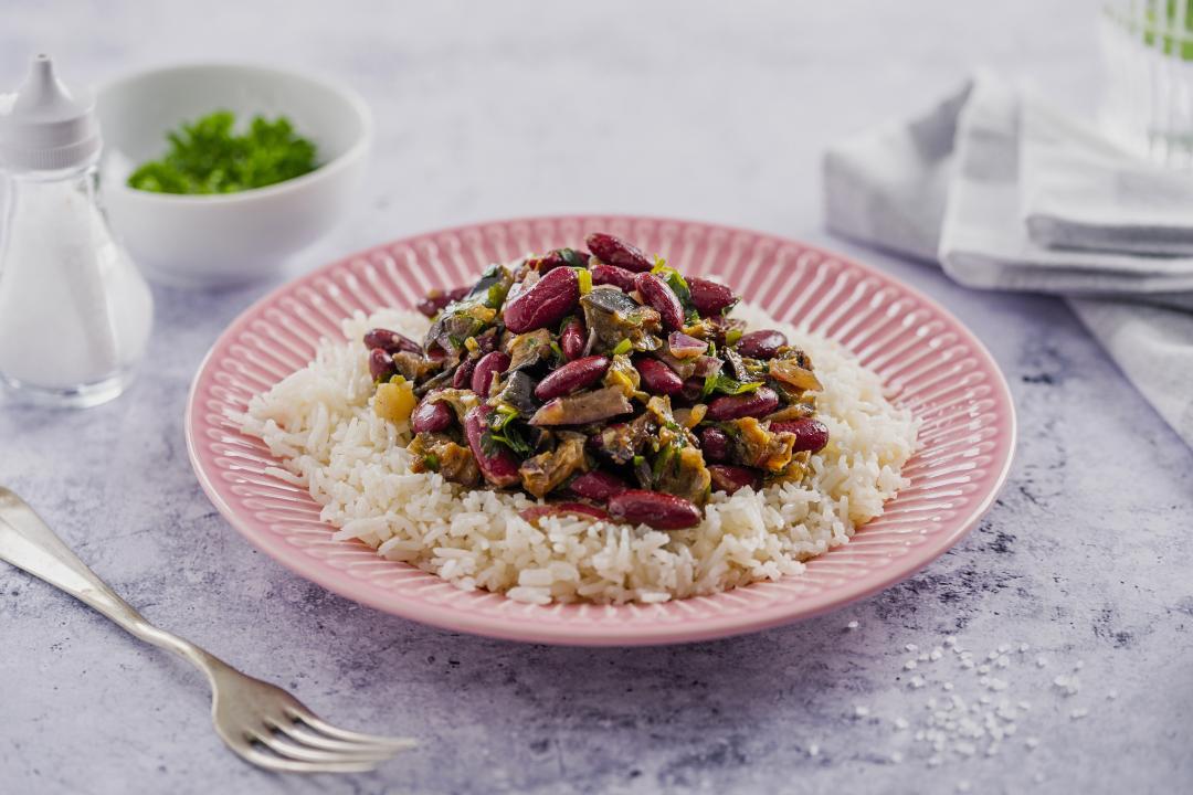 Eggplant Bean Stew cu Orez cu Legume