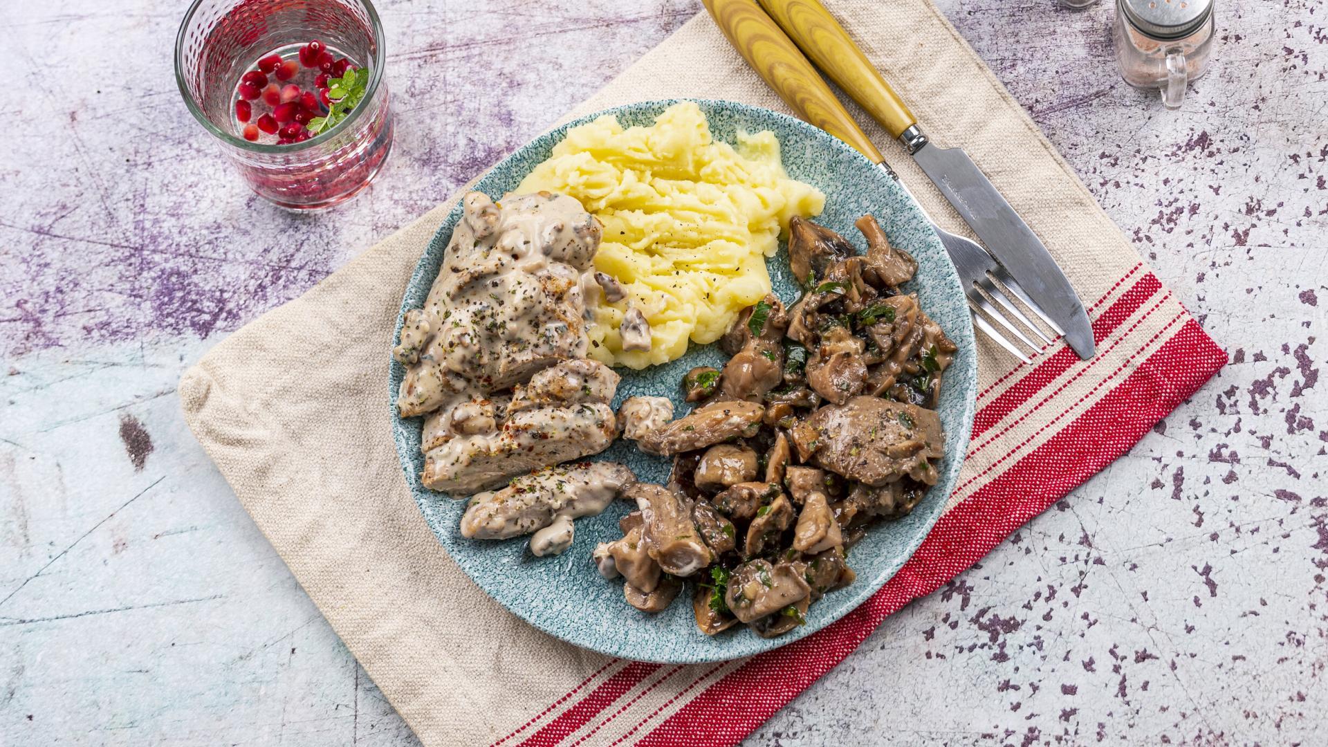 Blue Cheese Chicken & Piure de Cartofi & Mix de Ciuperci 2
